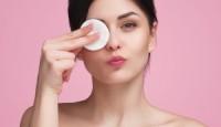 Makyaj Temizleme Mendilleri Kırışıklığa Sebep Olabilir?