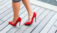Yüksek Topuklu Ayakkabılar Zararlı Mı?